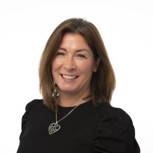 Emma Linn : Senior Associate